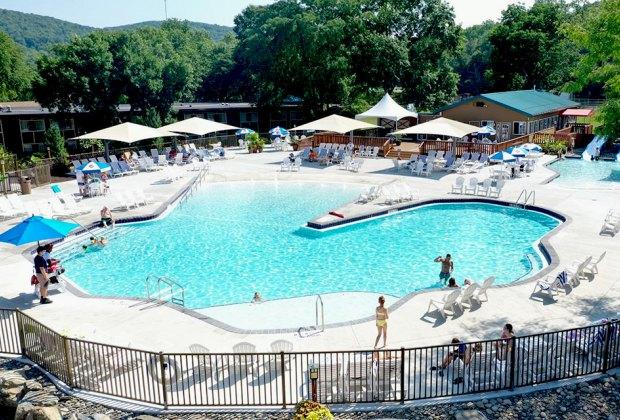 Rocking Horse Ranch's new Boulder Bay Pool