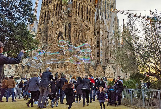 Tour Sagrada Familia in Barcelona and discover countless symbols that Gaudí scattered in his most famous piece of architecture. Photo by Anna Fader