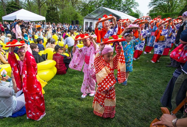 Upper West Side Street Fair 2020.The Best Annual Family Festivals For Nyc Kids Mostly Free