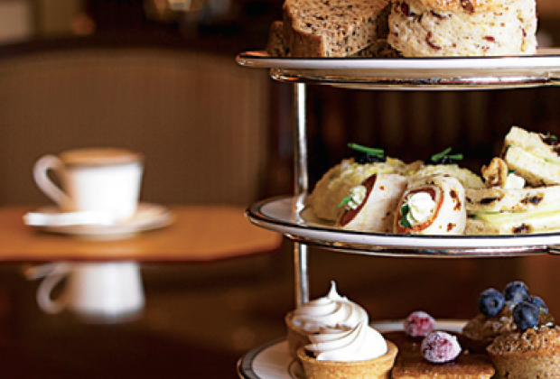 5 Best Boston Afternoon Tea Spots For Families Mommypoppins Things To Do In Boston With Kids