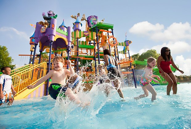 kids splash in water park