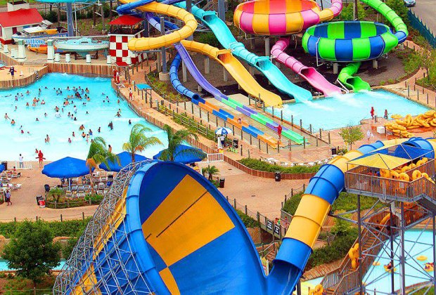 12 of the Best Outdoor Water Parks in the US | MommyPoppins