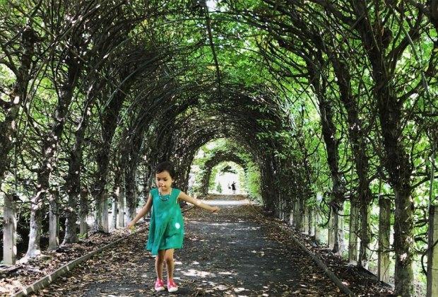 girl at Snug Harbor Cultural Center and Botanical Garden