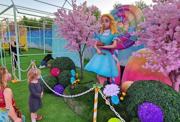 A Real Life Candy Land at Sugar Rush: Goldilocks chooses candy over porridge