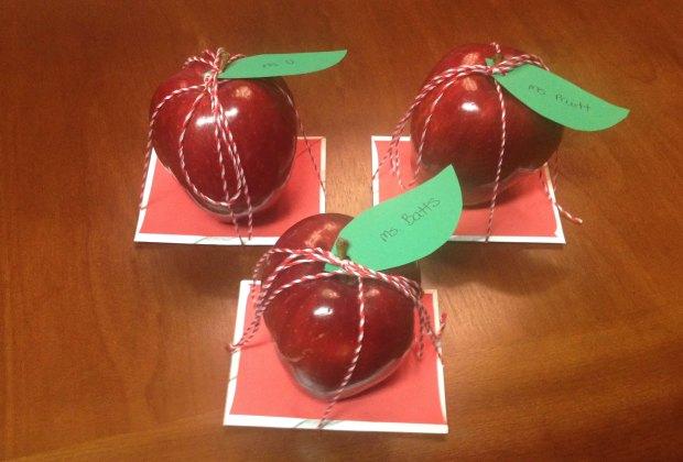 Teacher Appreciation Gifts: An apple for the teacher