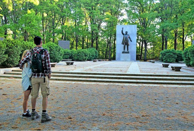 Follow the boardwalk to the statue of the 26th president at Theodore Roosevelt Island. Photo courtesy of StayArlington