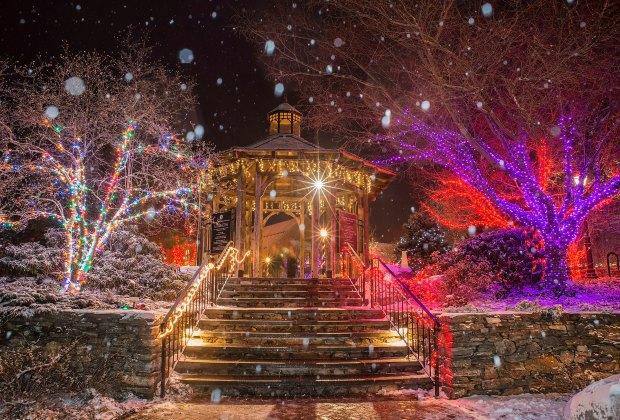Christmas Lights around Boston