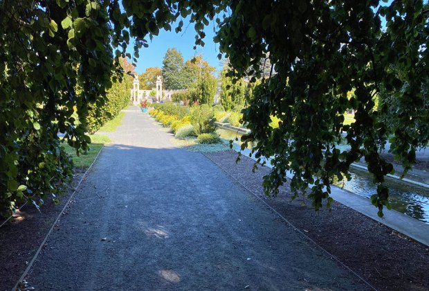 A long pathway at Untermyer Garden