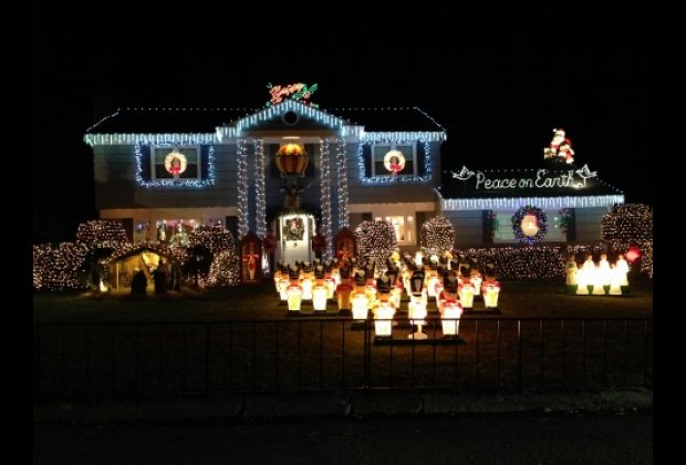 A battalion of illuminated toy soldiers greet you at this New Rochelle house <br/>on Vaneck Drive