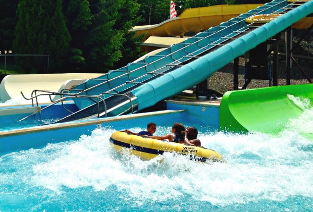 14 Outdoor Water Parks In New England Mommypoppins Things To Do With Kids