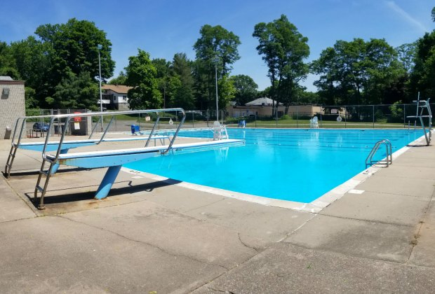 Top Swimming Pools For Families Near And Around Hartford Ct Mommypoppins Things To Do In Connecticut With Kids