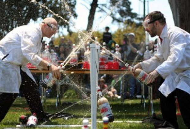 The fantastic Coke Zero & Mentos Fountains