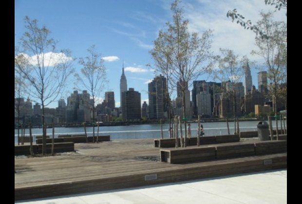The park boasts unobstructed views of Manhattan throughout