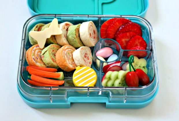 A perfectly packed lunchbox helps kick the school blues. Photo courtesy of www.YumboxLunch.com