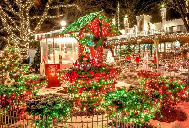 Best Holiday and Christmas Lights Around Boston | MommyPoppins