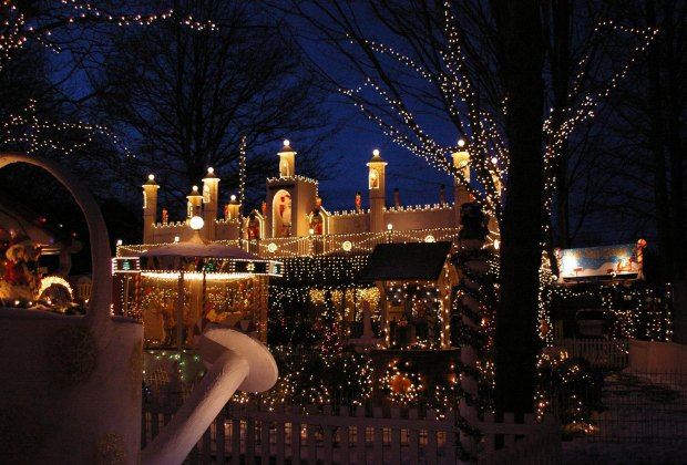 Boston Christmas Lights.Where To See Holiday Lights In And Around Boston