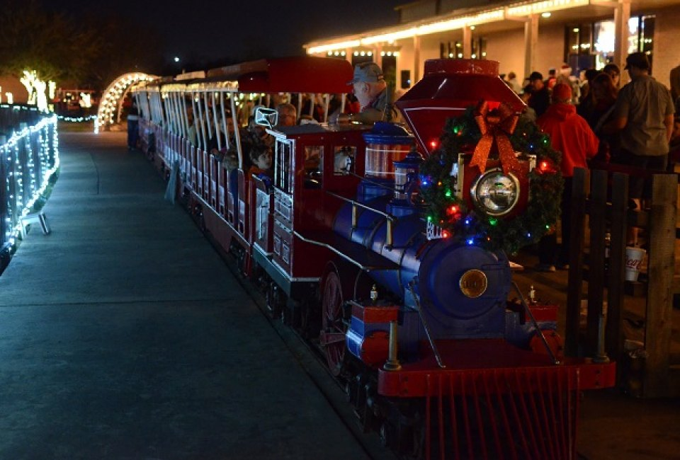 the christmas train in alvin - The Christmas Train