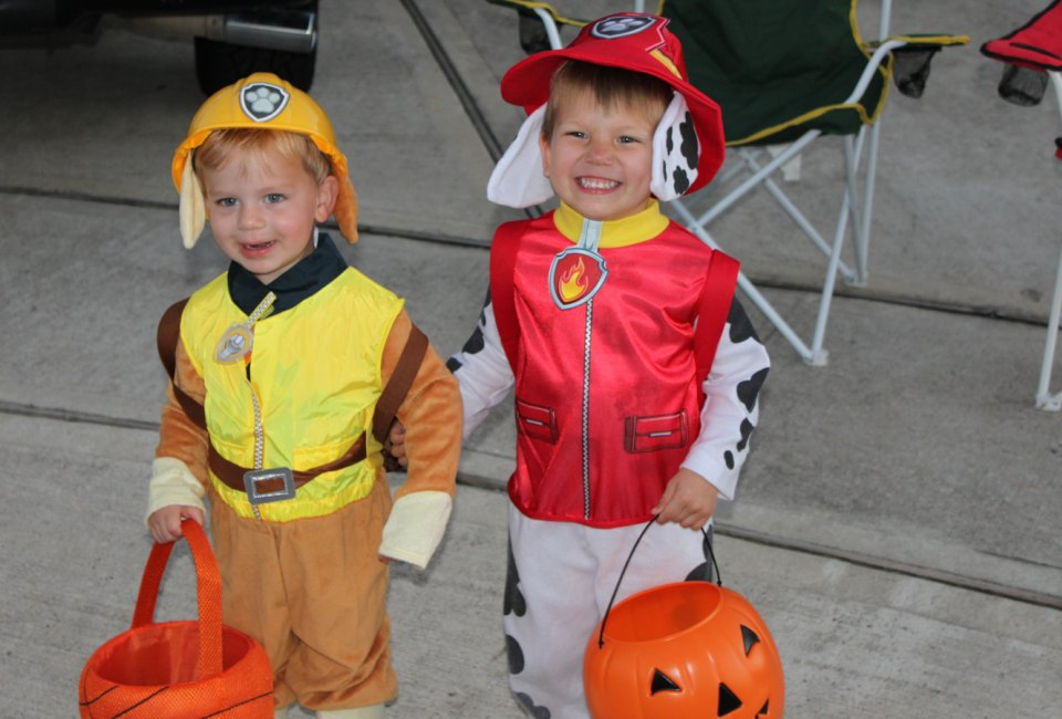 Best Places for Trick or Treating in Houston | MommyPoppins ...