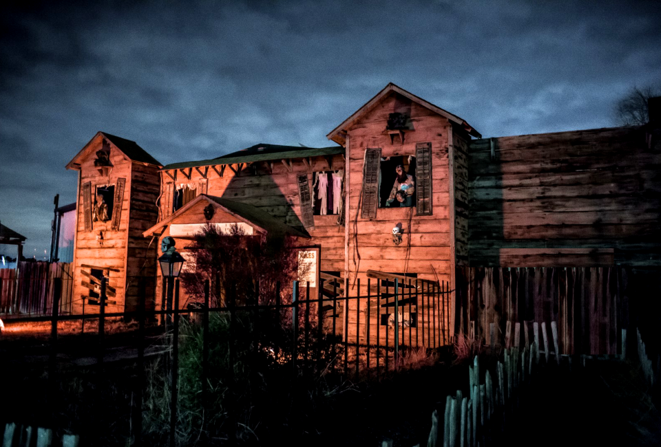 houstons spookiest haunted houses and attractions for halloween