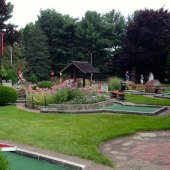 Things to do with kids: Places to Play Mini Golf in the Hartford Area