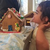 Things to do with kids: Decorating Gingerbread Houses in the Hartford Area