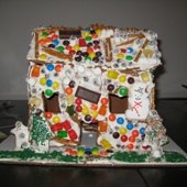 Things to do with kids: Gingerbread House Decorating  and Holiday Cooking Classes for NYC Kids