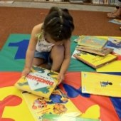 Things to do with kids: Library Story Times in the  Hartford Area for Babies thru age Five