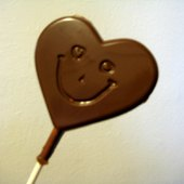 Things to do with kids: Valentines Kids Craft Ideas: How to Make Chocolate Lollipops