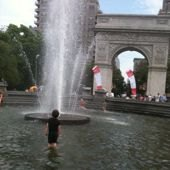 Things to do with kids: My Awesome Day: Playing in the Fountain At Washington Square Park