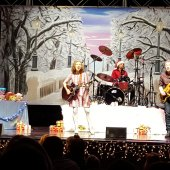 Things to do with kids: A Laurie Berkner Christmas: A Parent's Review of Holiday Kindie Music