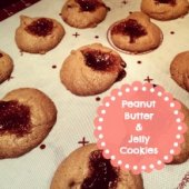 Things to do with kids: Make: 3-Ingredient Peanut Butter and Jelly Cookies