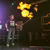 Things to do with kids: 'That Physics Show' Makes Science Even Cooler Than Magic