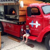 Things to do with kids: 5 Kid-Friendly Pizza Places on Long Island