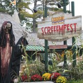 Things to do with kids: Halloween Thrills and Chills: Haunted Theme Parks Near Boston
