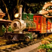 Things to do with kids: Holiday Train Shows Open: New York Botanical Garden, Grand Central and More