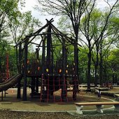 Things to do with kids: Fort Washington Park Playground: Sprinklers, a Rope Pyramid & Zip-Lining in Washington Heights