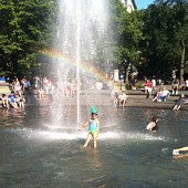 Things to do with kids: 6 Play Fountains Where NYC Kids Can Get Totally Soaked