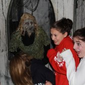 Things to do with kids: Spooky Halloween Fun: Haunted Houses and Trails Near Boston